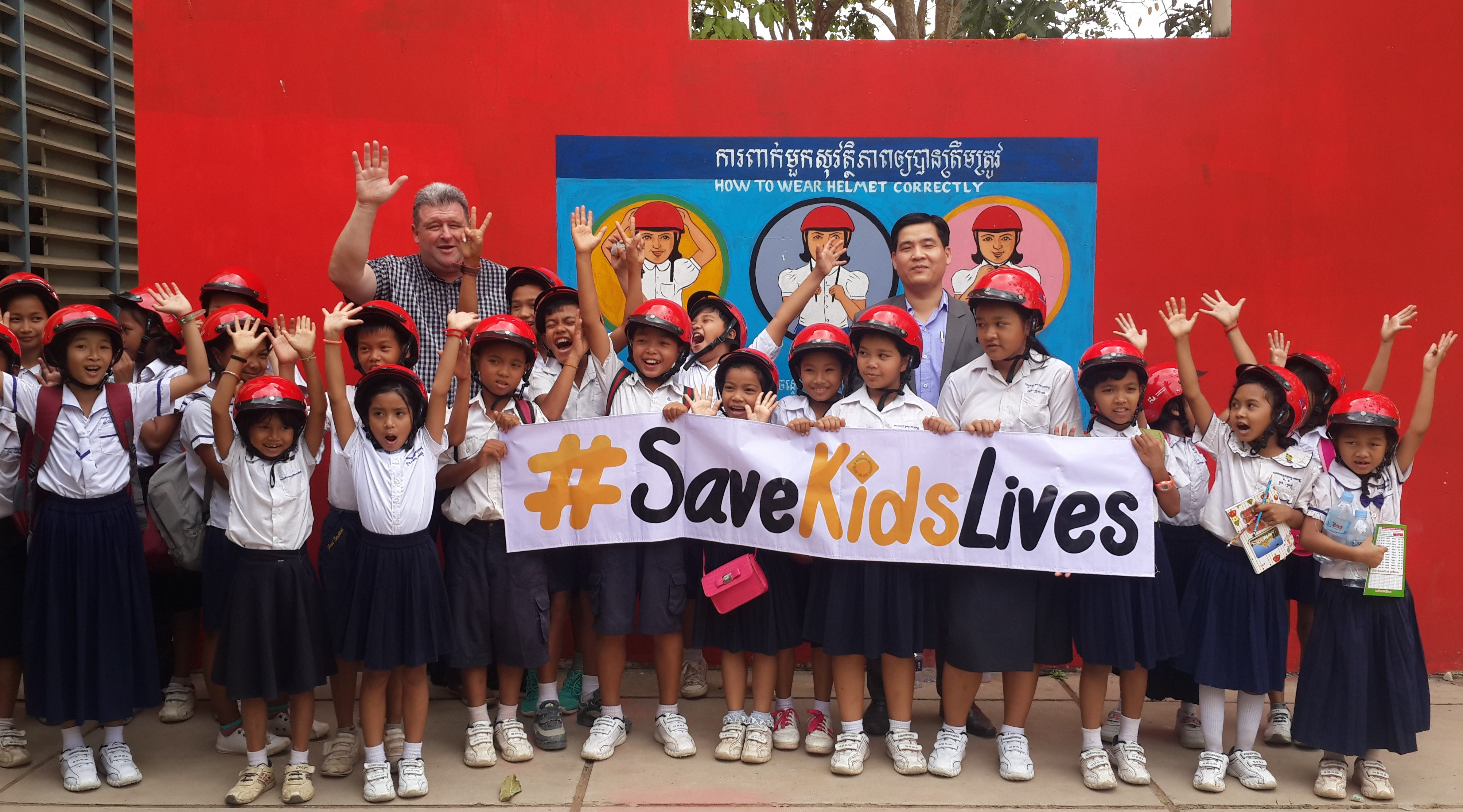 Students encouraged to wear motorcycle helmets as part of school uniforms